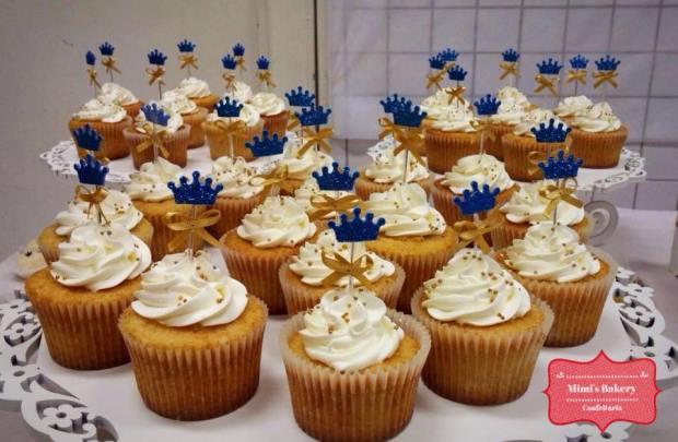 Cupcake de Baunilha Mousse de Leite Ninho Chantinho