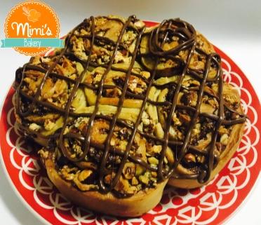 Brioche com Nutella, chocolate branco e castanhas