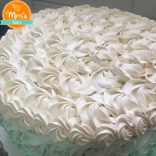 Bolo Rosette Cake Verde Claro com Bege