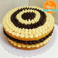 Naked Cake Baunilha: Brigadeiro de Chocolate e Brigadeiro de Ninho
