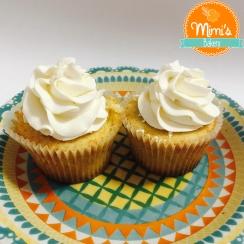 Cupcake Baunilha, brigadeiro e chantininho