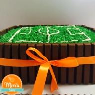 Bolo Campo de Futebol com Kit Kat