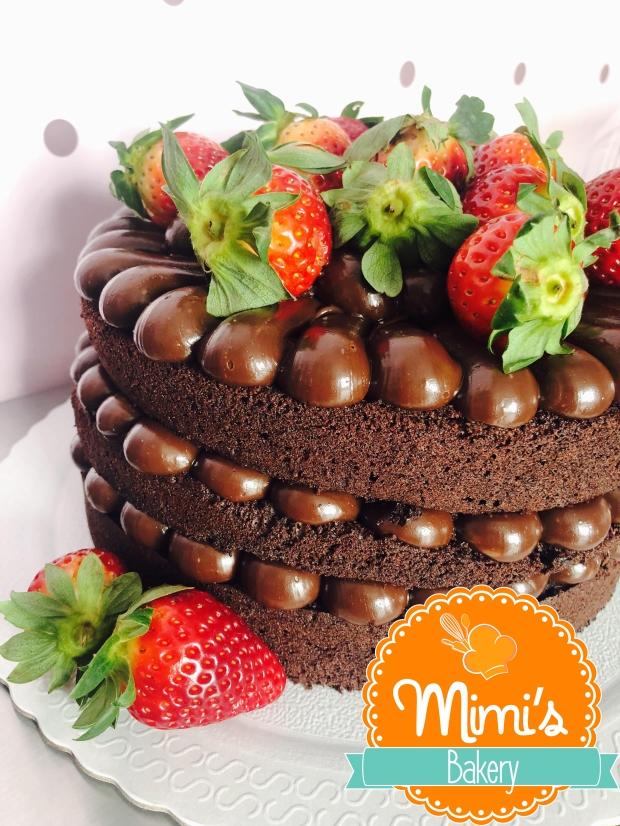 Naked Cake Chocolate, Brigadeiro e Morangos