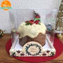 Chocotone recheado Chocolate Branco com Morangos