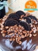 Chocotone recheado com mousse de ninho com oreo e coberto com brigadeiro