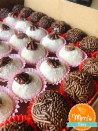 Docinhos: Brigadeiro de Chocolate e de Ninho com Nutella